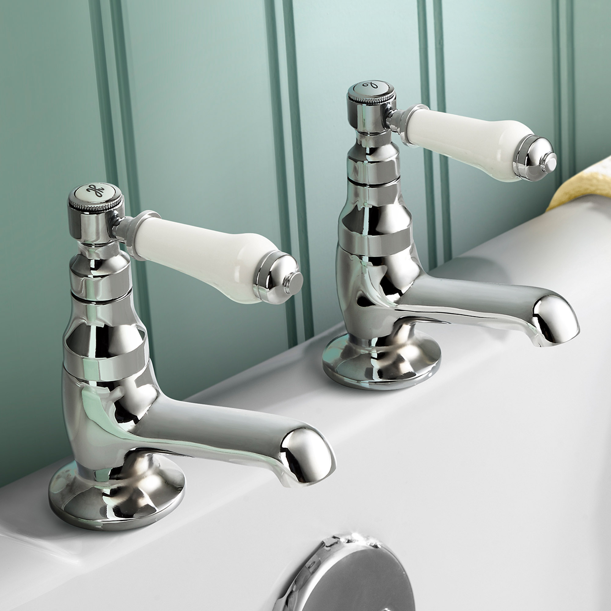 Product Specification  Traditional Bath and Basin Taps. Traditional Bathroom Chrome Lever Handle Bath Sink Brass Mixer